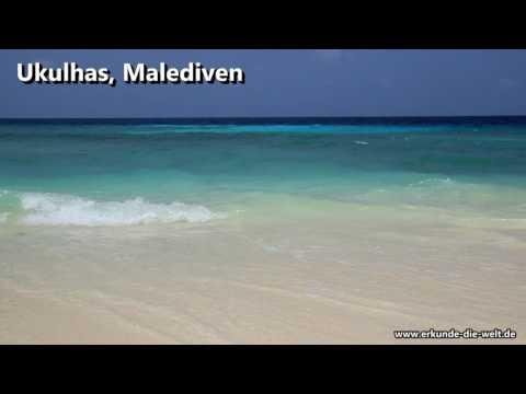 Malerisches, türkises Meer am Strand von Ukulhas auf den Malediven