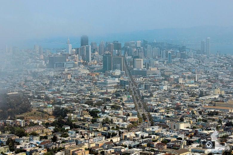 San Francisco - Stadt im Nebel von Twin Peaks aus gesehen