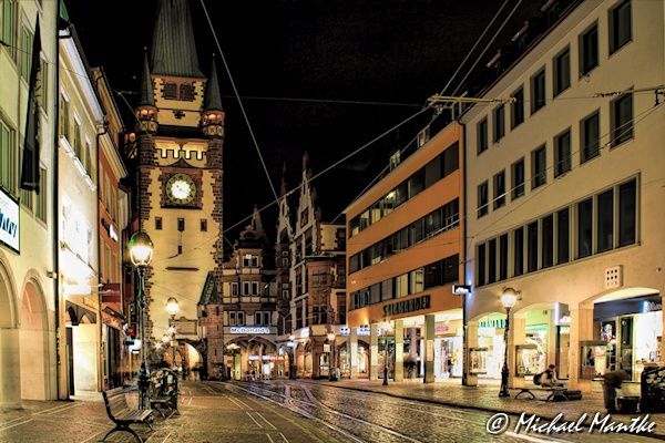 Freiburg bei Nacht