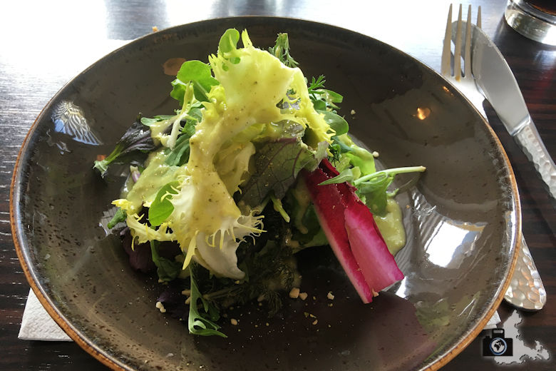 ouzeria-freiburg-salat-vorspeise