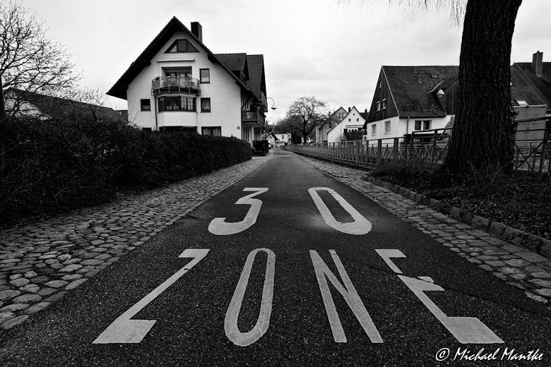 Weitwinkel Aufnahme: Unterwegs in St. Georgen, Freiburg