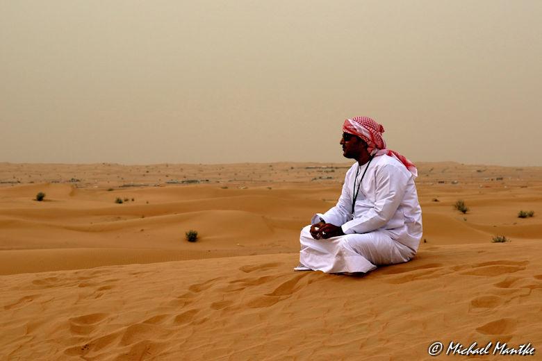 Araber in der Wüste während der Wüstensafari