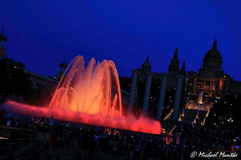 Barcelona Font Magica beleuchteter Springbrunnen