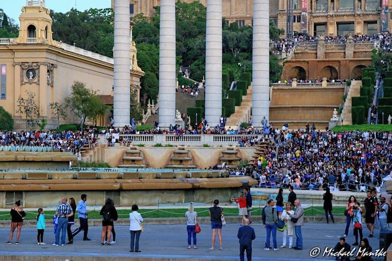 Barcelona viele Menschen am Font Magica