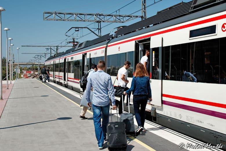 Barcelona Flughafen Regionalbahn