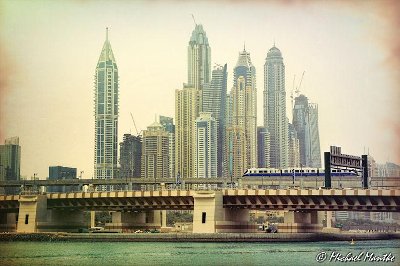 Marina Dubai Walk Skyline