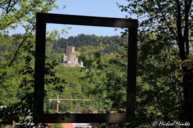 Natürlicher Rahmen: Schwarzwald Kastelburg