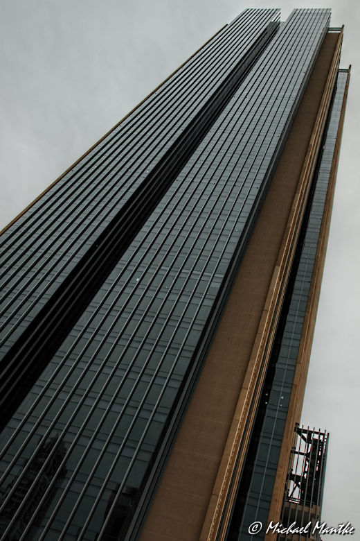 Natürlicher Rahmen: Hochhaus Brüssel