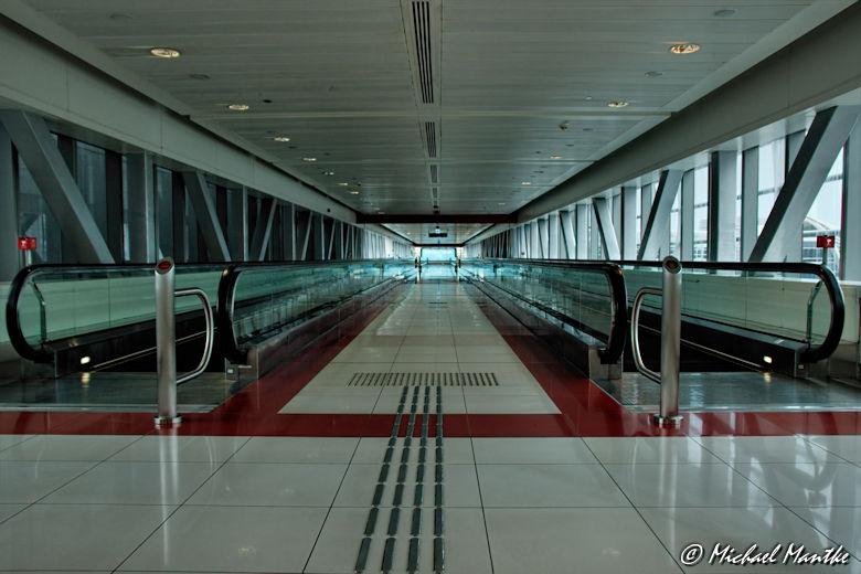 Dubai Tunnel zur Metro