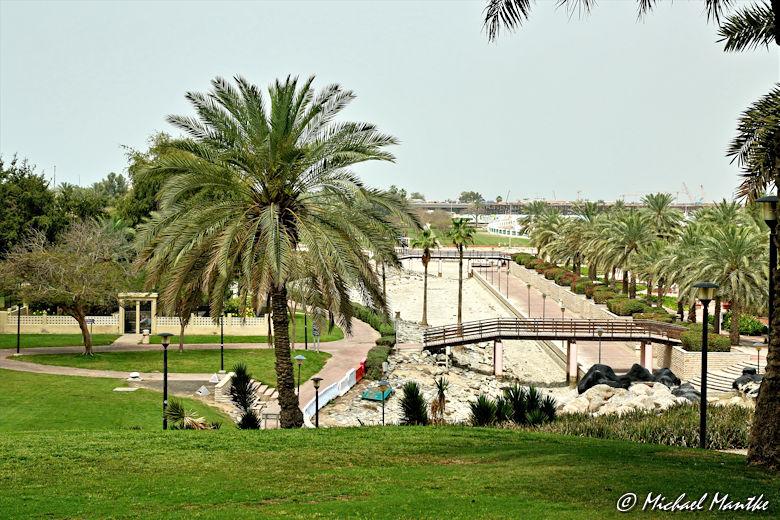 Safa Park Dubai Baustelle ausgetrocknetes Flussbett