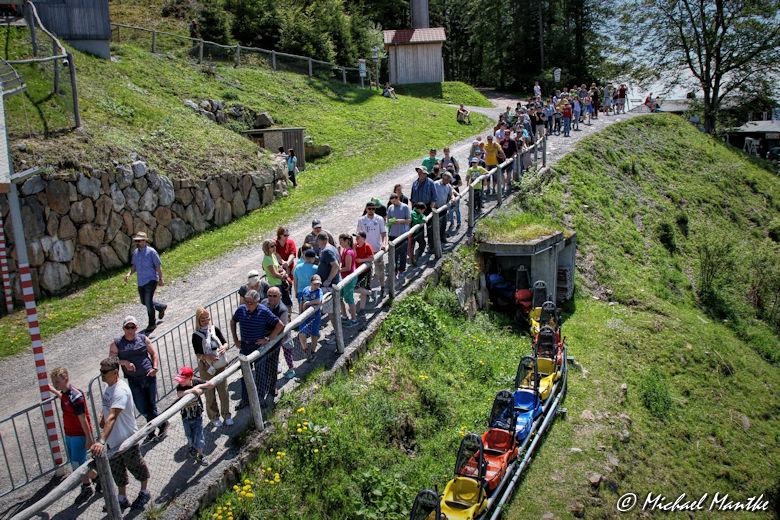 Hasenhorn Rodelbahn Todtnau - Warteschlange an Bergstation