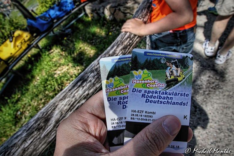 Hasenhorn Rodelbahn Todtnau - Tickets in der Hand
