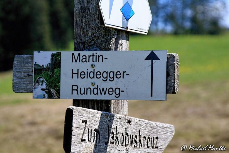 Martin Heidegger Rundwanderweg bei Todtnauberg - Wegweiser
