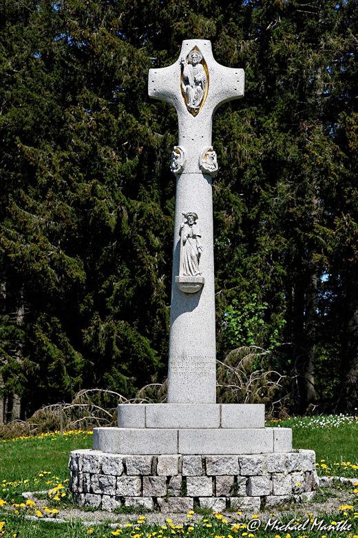 Martin Heidegger Rundwanderweg bei Todtnauberg - Denkmal