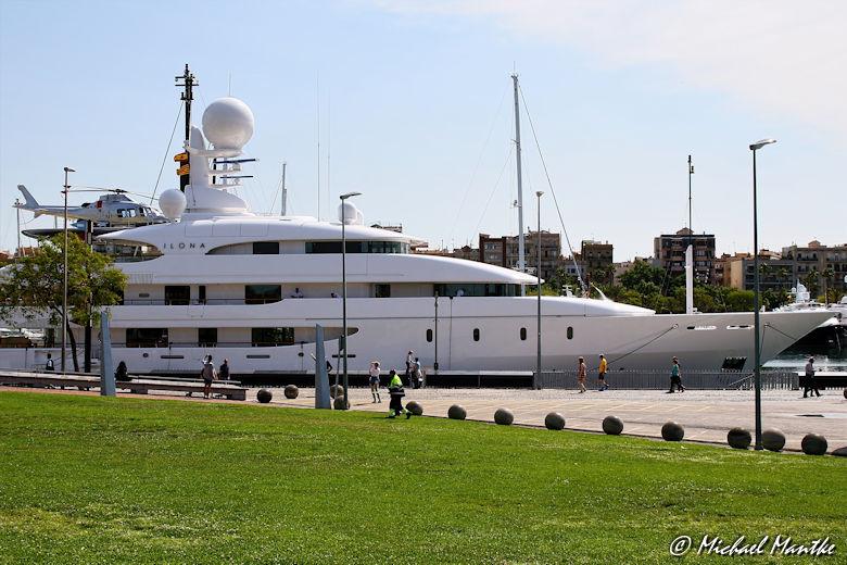 Barcelona Hafen Luxusyacht