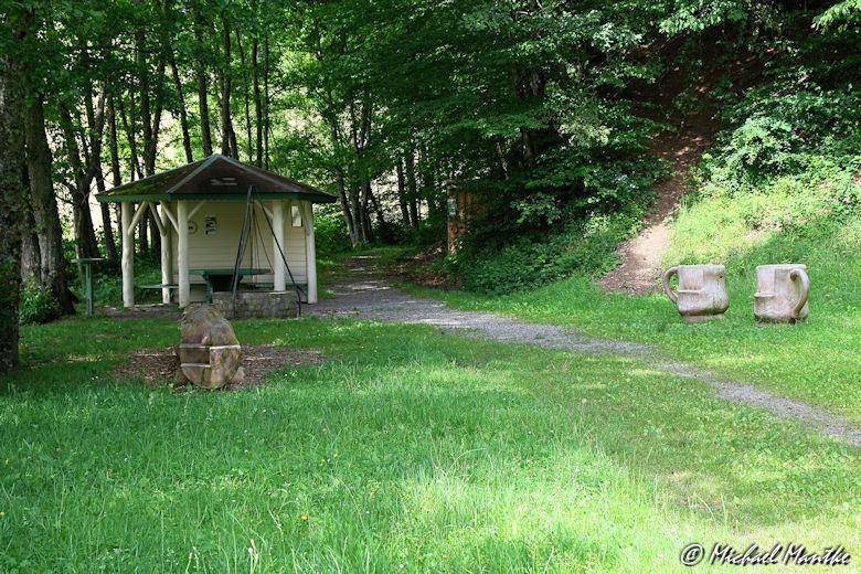 Hahn-und-Henne-Runde Grillstelle Hinterhambach