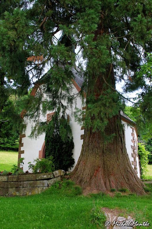 Hahn-und-Henne-Runde Kapelle