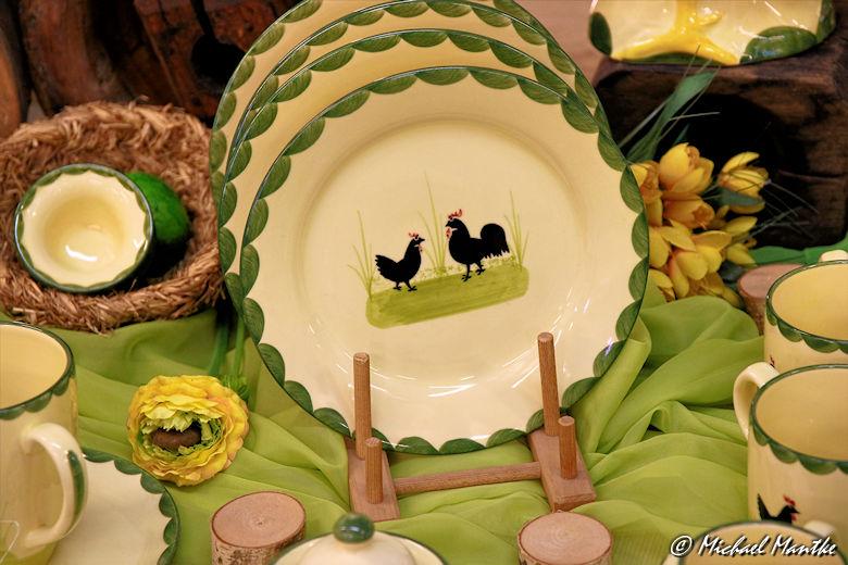 zeller keramik in zell am harmersbach erkunde die welt geschirr hahn und henne. Black Bedroom Furniture Sets. Home Design Ideas