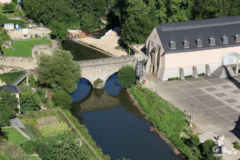 Luxemburg Brücke zur Abtei Neumünster