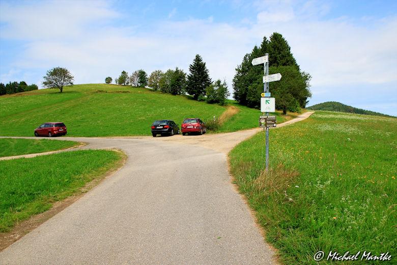 Abzweig zum Eckhof auf dem Wanderweg nach Horben