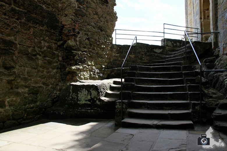 Burg Beaufort in Luxemburg - Treppe