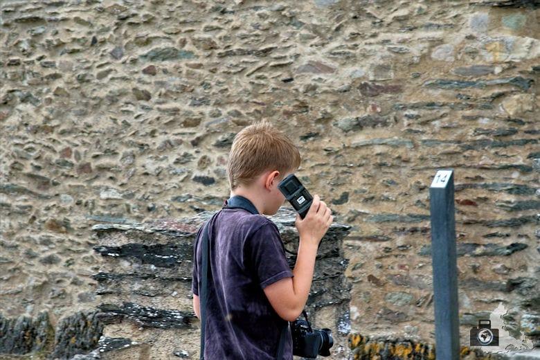 Unterwegs mit Audioguide auf der Burg Bourscheid, Luxemburg