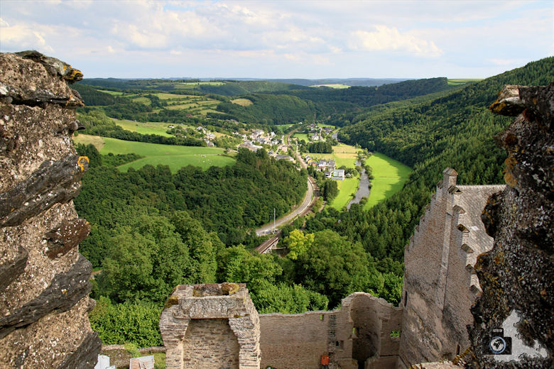 Aussicht von der Burg Bourscheid, Luxemburg