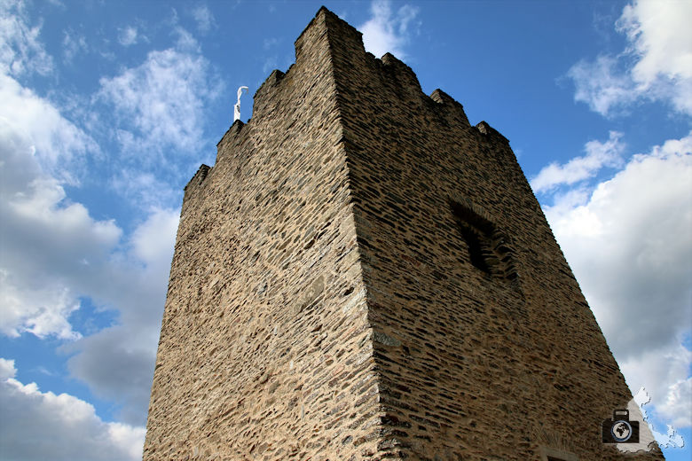 Bergfried der Burg Bourscheid, Luxemburg