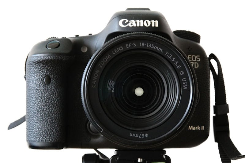 Canon EOS 7D Mark II Frontansicht