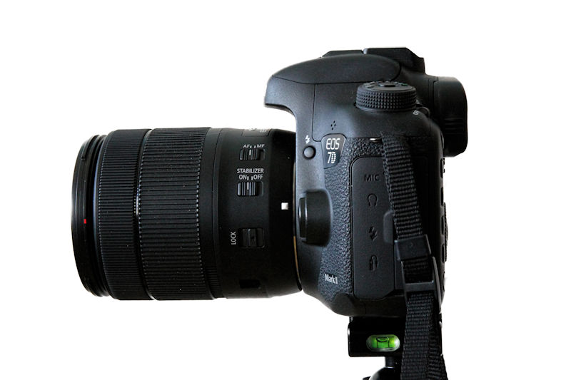 Canon EOS 7D Mark II Seitansicht