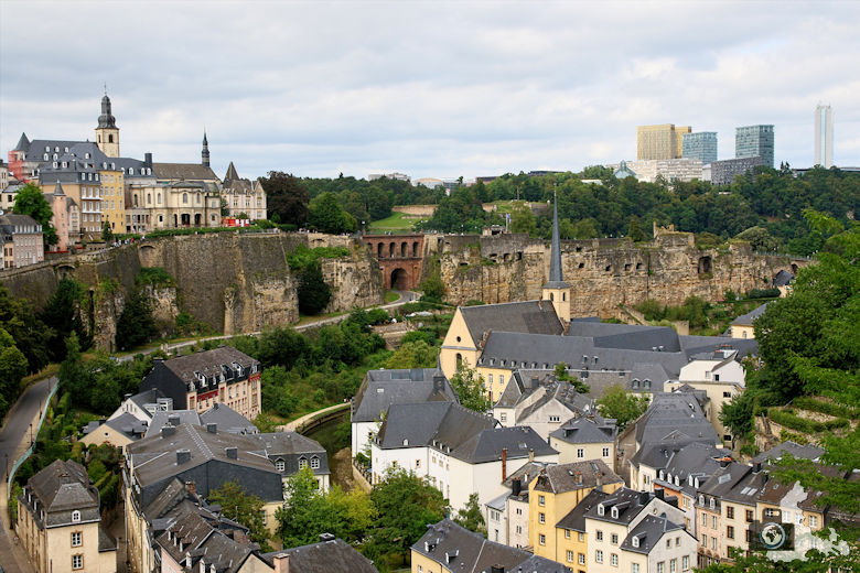 Luxemburg Aussicht auf Stadtteil Grund und Bock-Kasematten