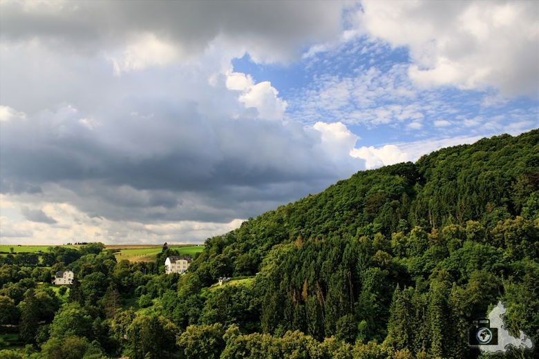 Ausblick vom Schloss Vianden in Luxemburg