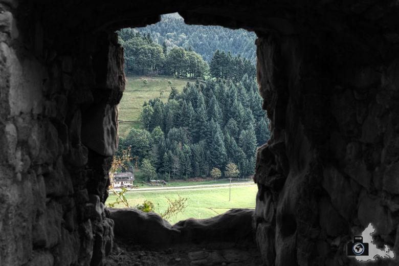 hochburg-ruine-aussichtsfenster