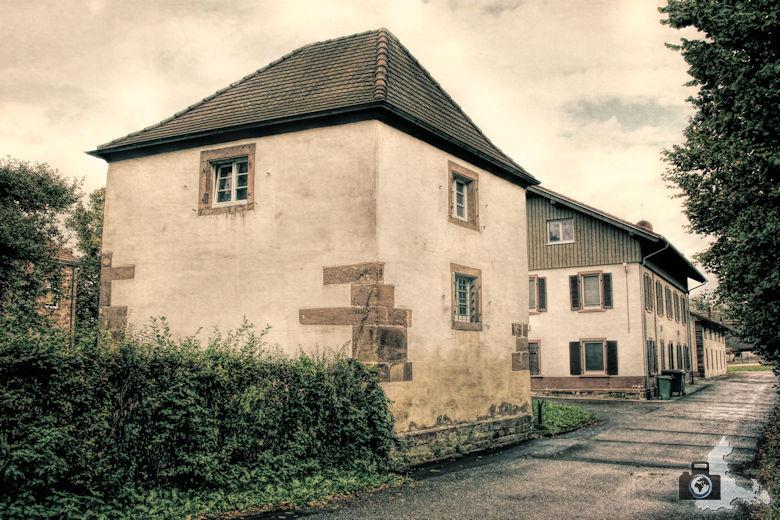 hochburg-ruine-wehrturm