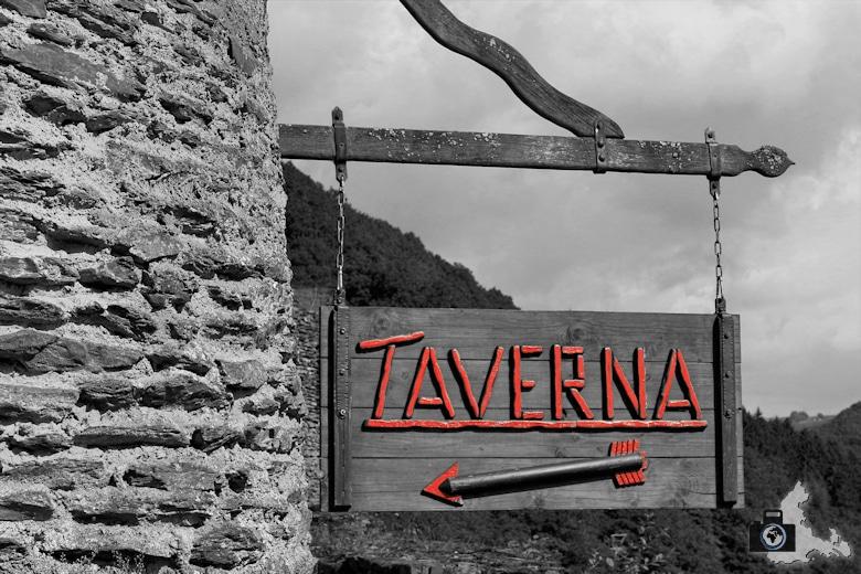 Schloss Vianden Taverna Schild