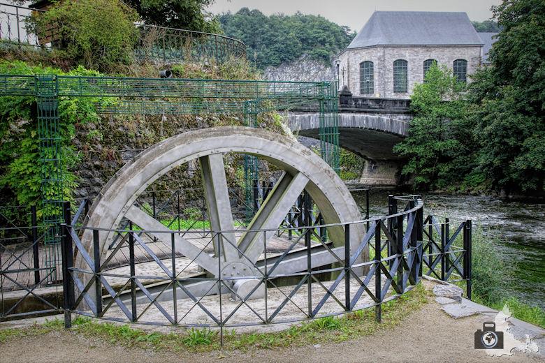 Wasserrad an der Ourthe in Durbuy in den Ardennen