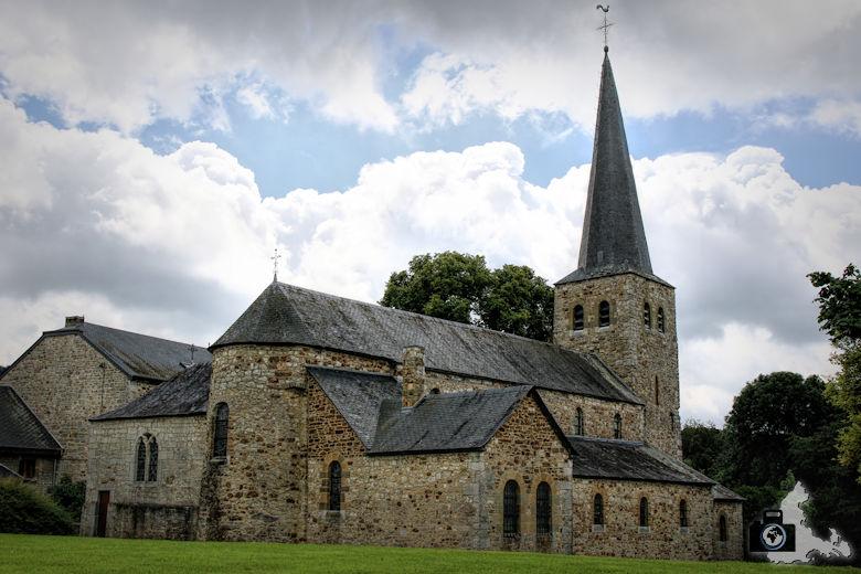 Kirche in Wéris in der Wallonie in den Ardennen