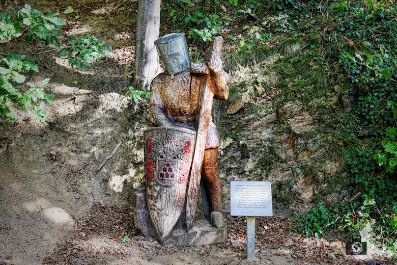 Ritterwanderweg zur Kastelburg Waldkirch - Ritter Statue