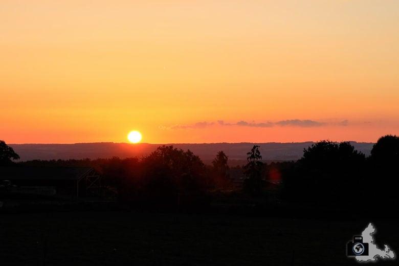 Sonnenuntergang bei Soy in den Ardennen