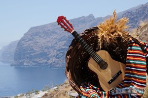 15spa0019-tenerife-los-gigantes-guitar