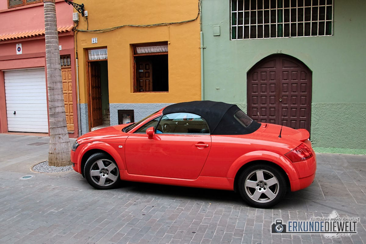 15spa0049-tenerife-red-car