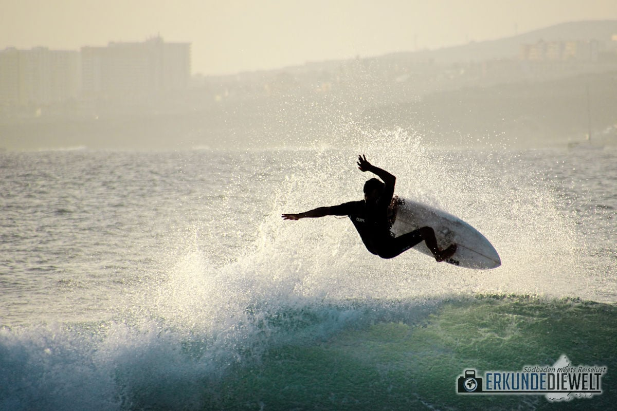 15spa0055-tenerife-surfer