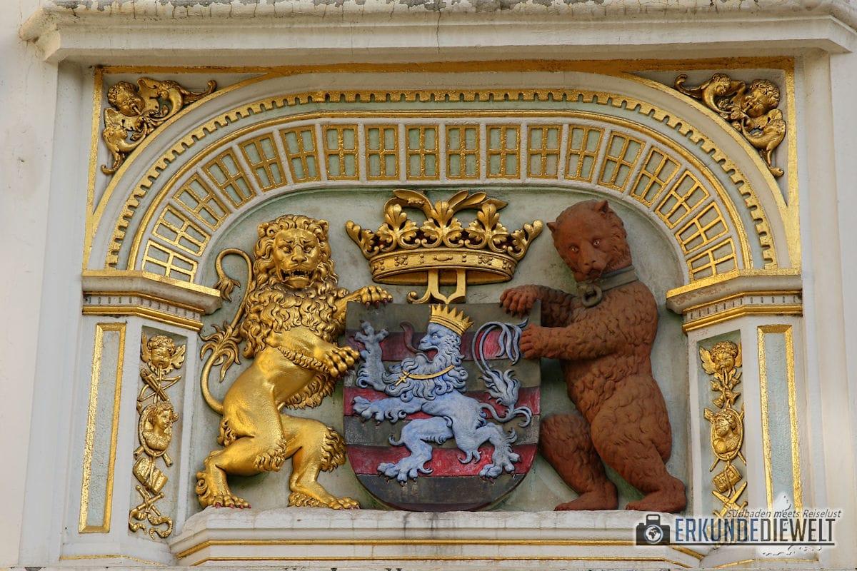 Wappen mit Löwe und Bär, Brügge, Belgien