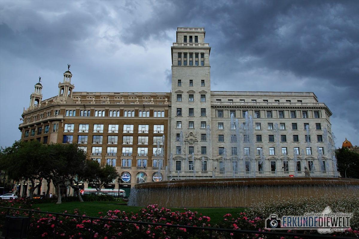Plaça de Catalunya, Barcelona, Spanien