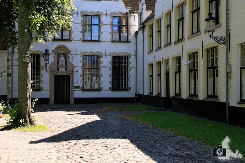 Brügge Sehenswürdigkeiten - Begijnhof