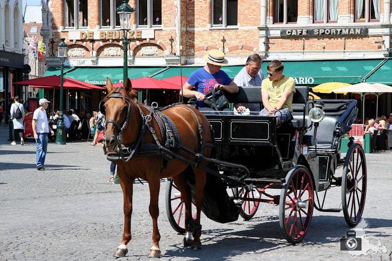 Brügge Sehenswürdigkeiten - Grote Markt Pferdekutsche