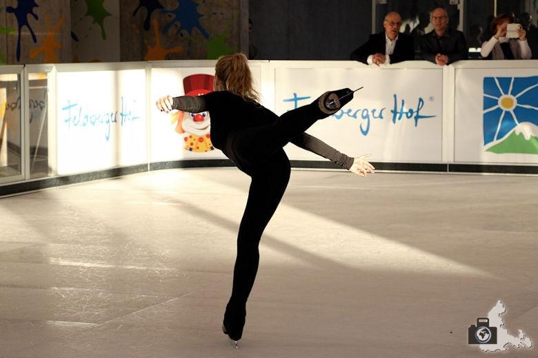 Fundorena - Eröffnung mit Denise Biellmann auf der Eislaufbahn