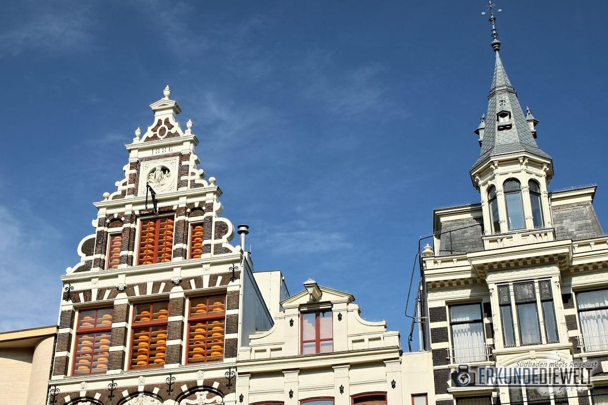 Häuserfassade mit Käse Lagerung, Amsterdam, Niederlande