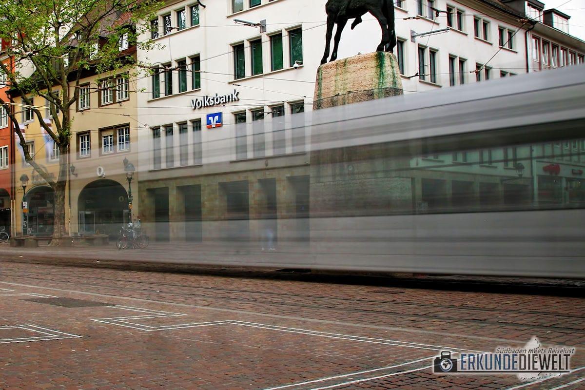 Beispiel für lange Belichtungszeit - Straßenbahn