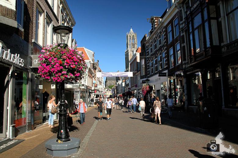 Unterwegs in Utrecht in den Niederlanden - Einkaufsgasse
